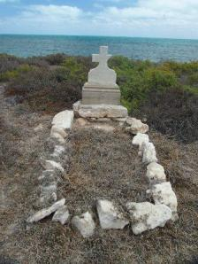 1921 grave of a shipwrecked fisherman, who drowned during a cyclone