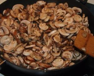 Cooking mushrooms for risotto