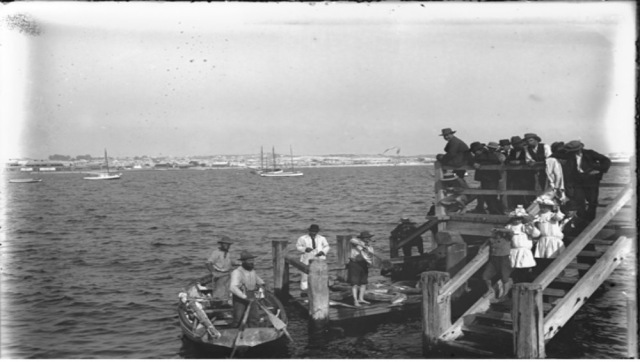 Landing fish in Fremantle 1907