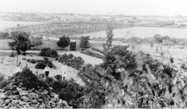 Single rail bridge viewed from Tuckfield St, 1880