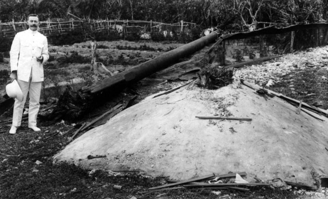 Wrecked wireless mast, Battle of Cocos, Direction Island 1914