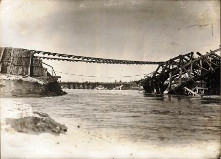 Freo Bridge collapse 1926 - a train had just gone over and there were floods low res