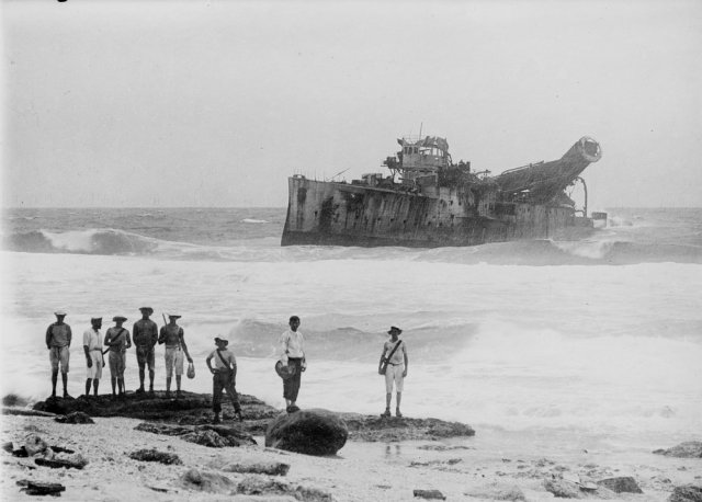 Salvaging the Emden wreck at North Keeling Island